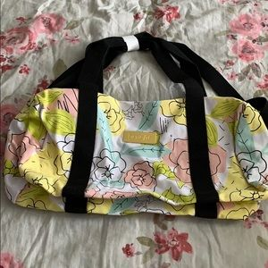 Brand new duffel bag from Benefit